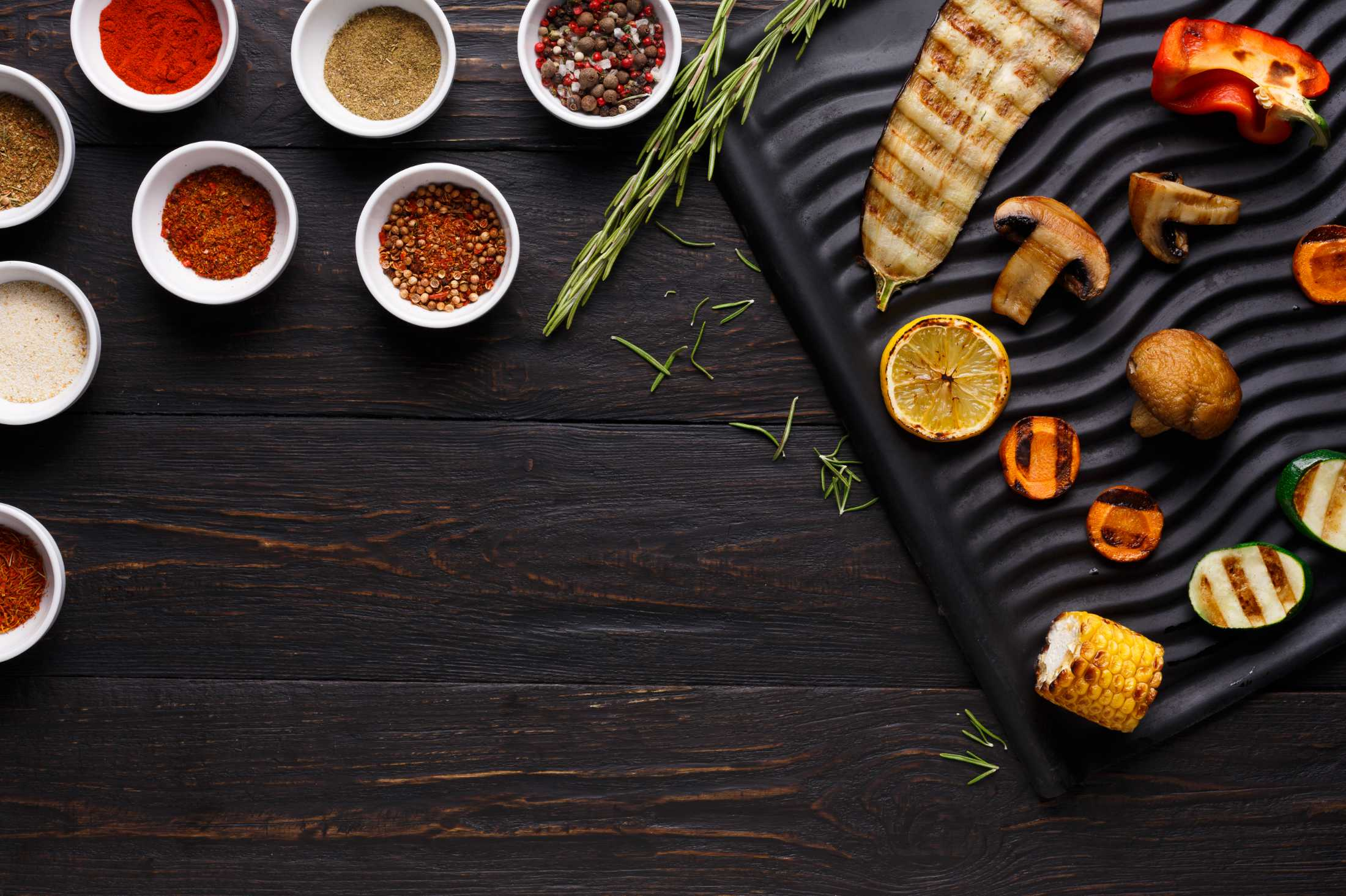 grilled-vegetables-with-spices-top-view-K5STZLW.jpg